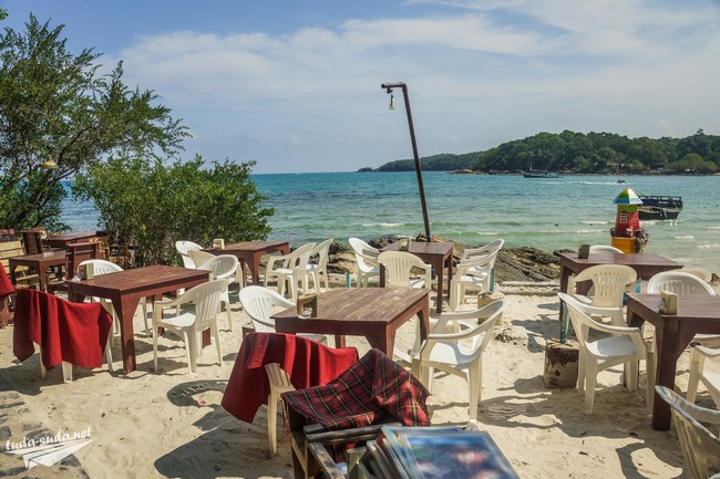 кафе на берегу моря фото