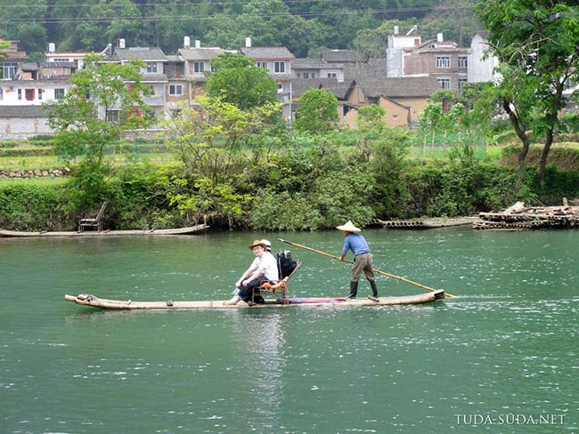 Плот на реке, Китай